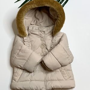 Gap tan puffer coat with faux fur hood